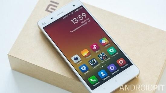 """Vì sao smartphone Trung Quốc giá """"rẻ như bèo""""?"""