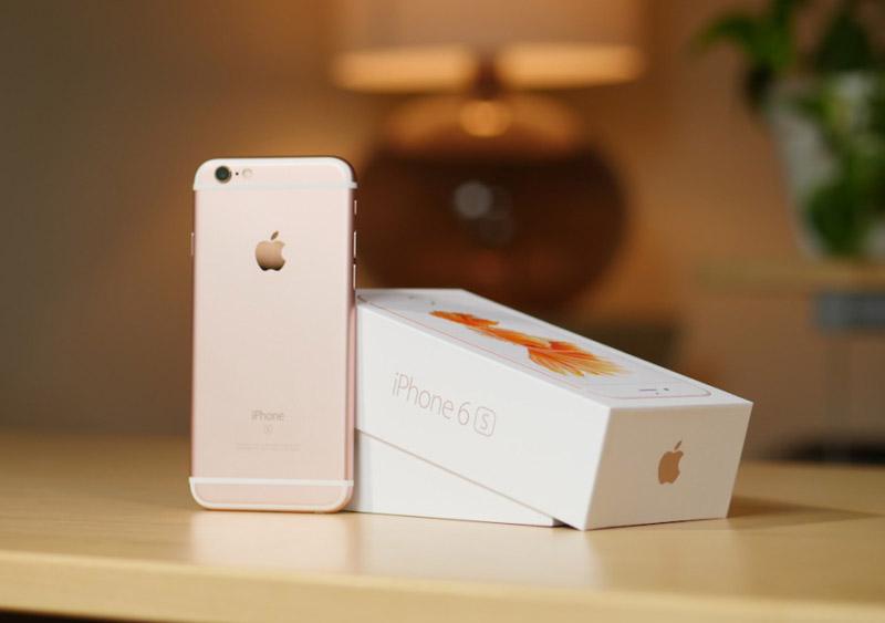 iPhone 6S chính hãng chưa đủ sức hút để lọt vào bảng xếp hạng bán chạy từ nhà bán lẻ.
