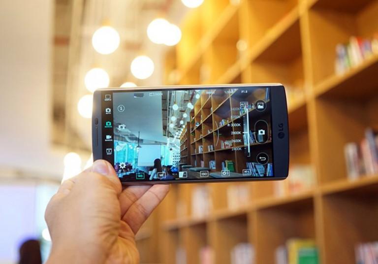 Đánh giá LG V10: Kiểu dáng mạnh mẽ, nghe nhạc tốt