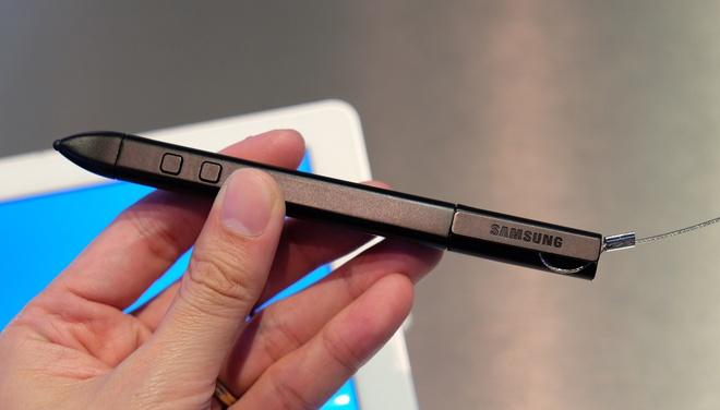 TabPro S hỗ trợ bút viết sử dụng công nghệ từ Wacom.