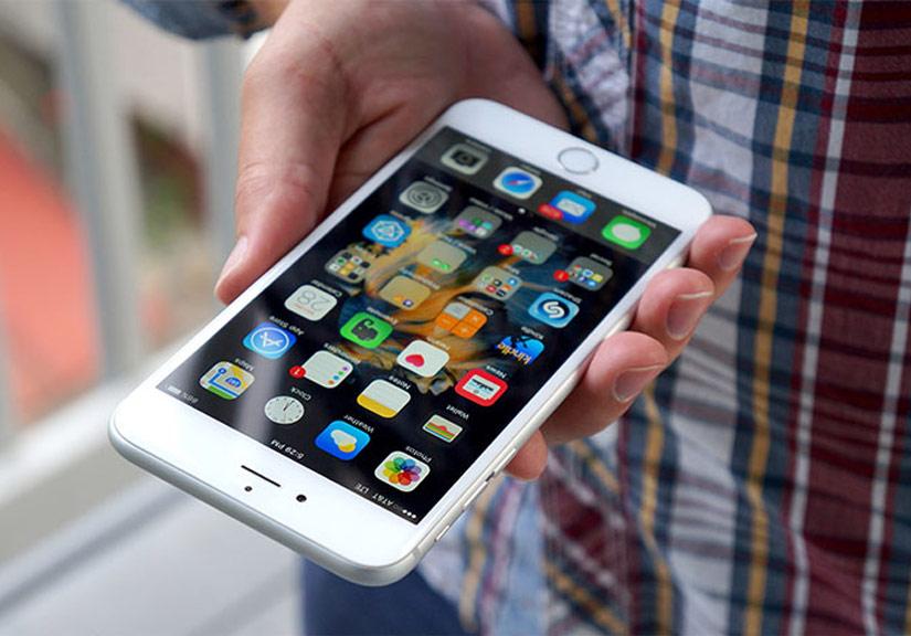 Apple sẽ bớt tham lam và cho ra một chiếc iPhone thực sự vì người dùng? Ảnh: Pocketnow.