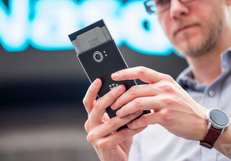 BlackBerry bỏ BB10, chuyển hẳn sang Android
