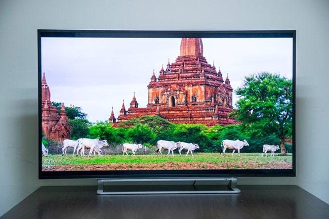 L94 Series vẫn giữ nguyên được nét thiết kế thanh mảnh giống như những dòng TV thế hệ mới của Toshiba.