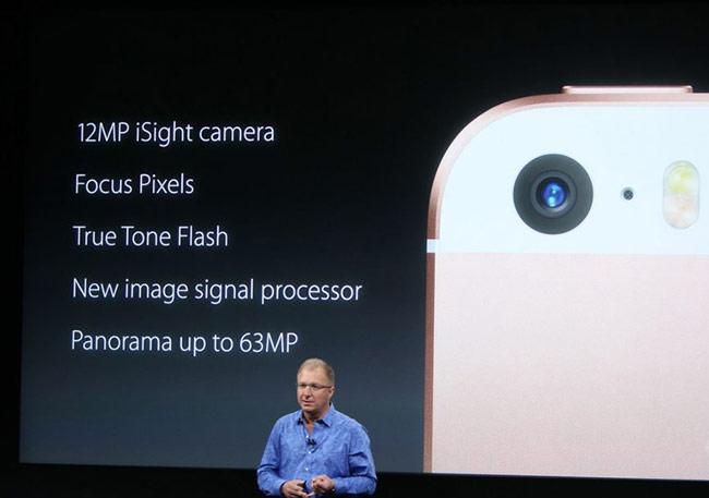 iPhone SE thừa hưởng cụm camera chính 12 MP của iPhone 6s nên chất lượng ảnh xuất sắc hơn iPhone 5s