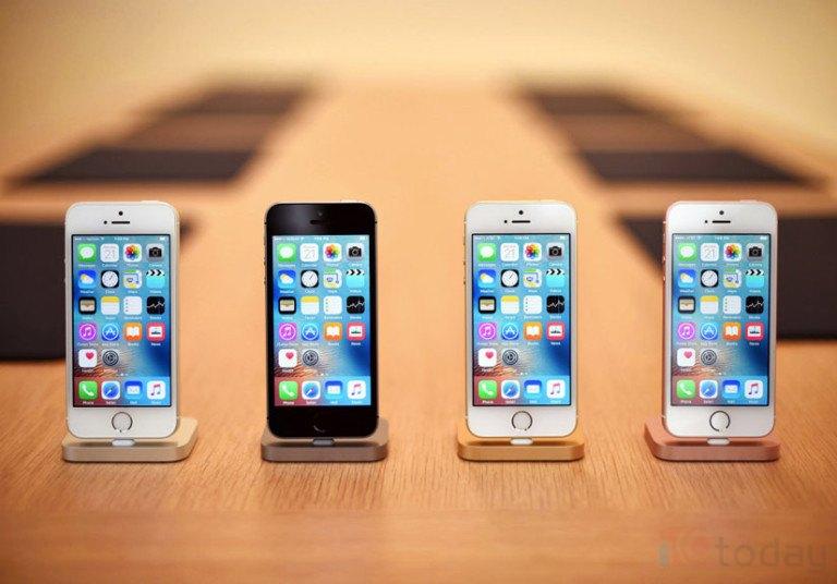 iPhone SE có thể làm tốt hơn những gì được dự báo. Ảnh: wired.com