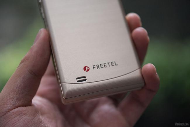 freetel-musashi-smartphone-nap-gap-nhat-2-man-hinh-sap-ban-tai-vn-14