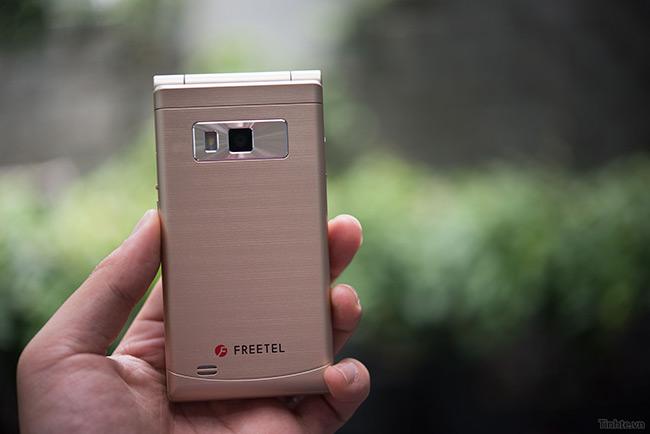 freetel-musashi-smartphone-nap-gap-nhat-2-man-hinh-sap-ban-tai-vn-15