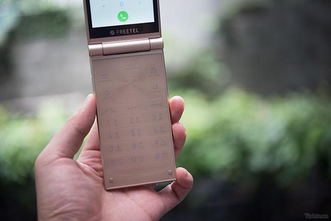freetel-musashi-smartphone-nap-gap-nhat-2-man-hinh-sap-ban-tai-vn-17