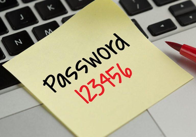 123456, 123456789, 111111, qwerty, 12345678,... là những mật khẩu cực yếu nhưng ai cũng dùng