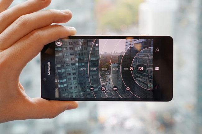 Lumia 950 thật sự tạo được ấn tượng mạnh mẽ cho người dùng thông qua khả năng chụp ảnh rất tuyệt vời