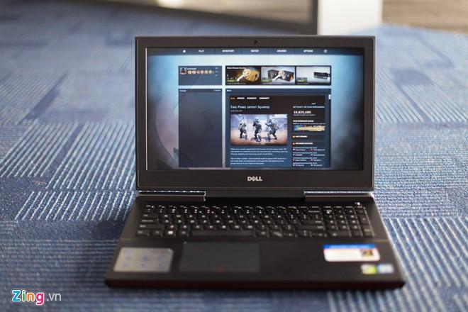 Dell Inspiron 15 Inspiron 15 Gaming có giá đề nghị từ 800 USD cho bản thấp nhất.