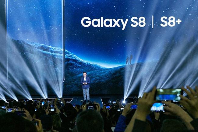 Những câu hỏi về Galaxy S8 cũng như tương lai của toàn ngành di động thế giới đã được Samsung giải đáp trọn vẹn tại sân khấu Galaxy Unpacked 2017.
