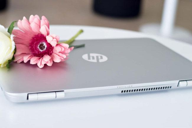 HP Pavilion 14 có màn hình HD 14 inch với 2 gam màu thời trang: bạc, vàng