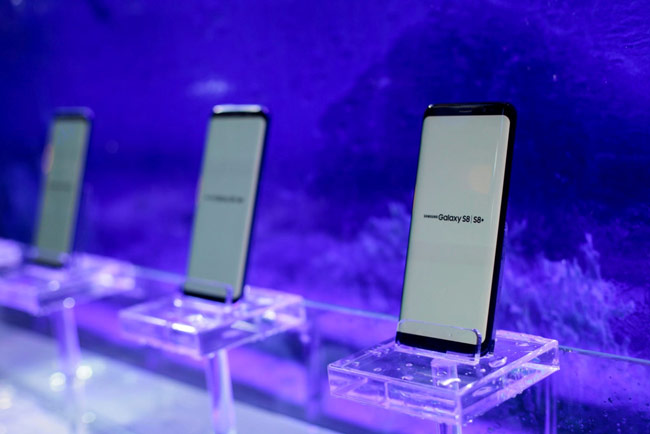 Bộ đôi Galaxy S8 và loạt thiết bị mới về Việt Nam