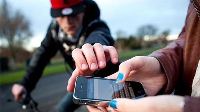Chống trộm smartphone đơn giản với Pocket Sense
