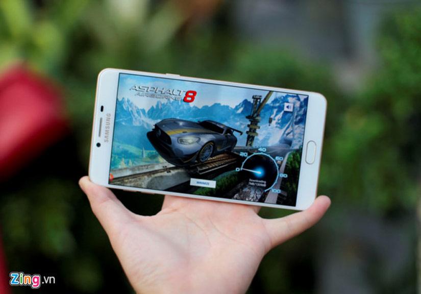 Đánh giá Galaxy C9 Pro: Màn hình đẹp, chơi game ổn định