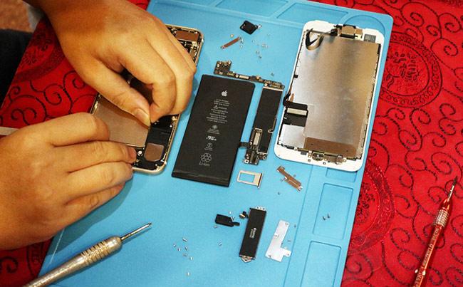 tách rời các module của iPhone