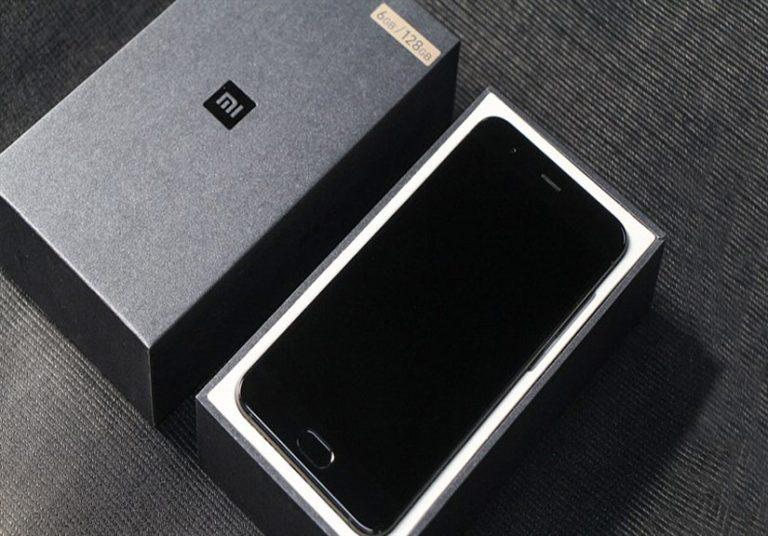 Mở hộp Xiaomi Mi 6 phiên bản vỏ gốm, viền vàng 18K cực đẹp