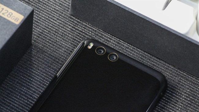 Điểm nhấn chính của Mi 6 chính là hệ thống camera kép