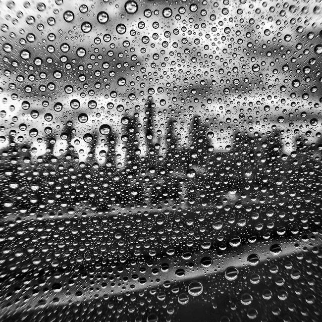 Chụp ảnh phản chiếu của hạt mưa