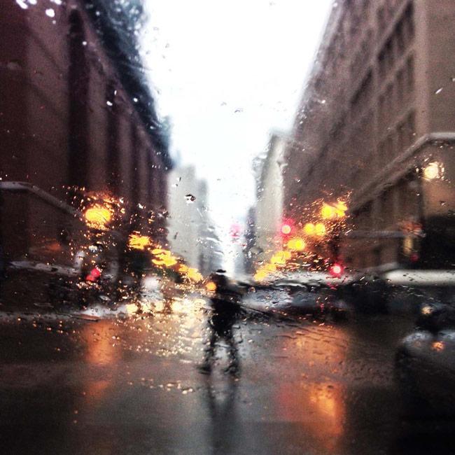 Chụp ảnh thành phố sau mưa