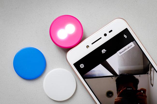 Camera trước của ZenFone Live góc rộng 82 độ có độ phân giải 5 megapixel