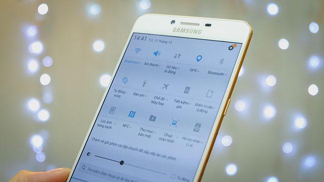 Samsung Galaxy C9 Pro được tích hợp các công nghệ tối ưu hóa việc sử dụng năng lượng pin như công nghệ Always-On