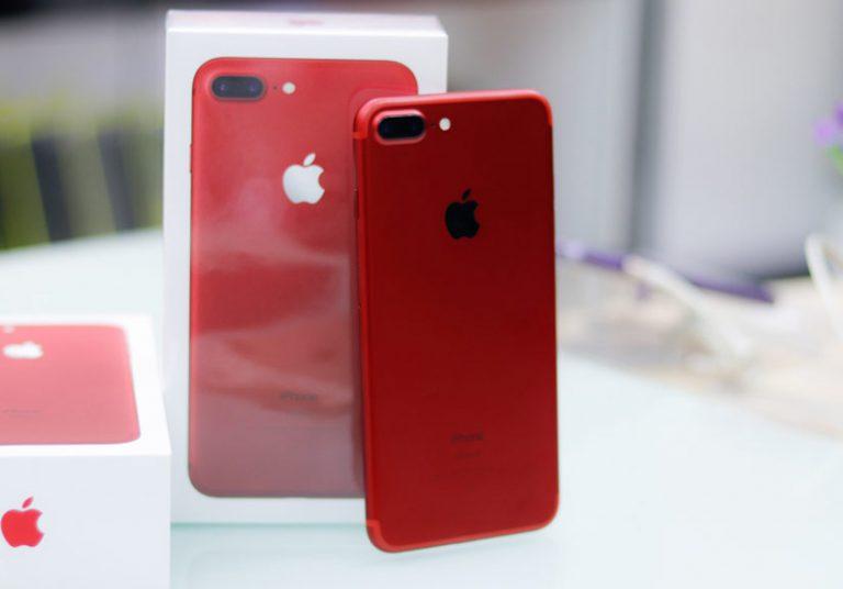 Thả rơi đọ độ bền Galaxy S8 và iPhone 7 màu đỏ