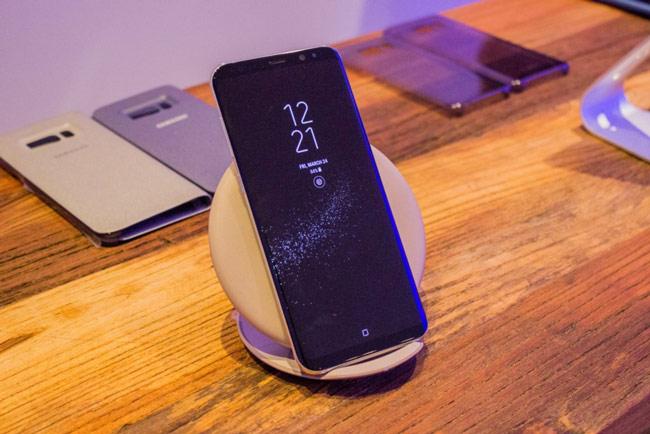 Galaxy S8 được trang bị sạc không dây