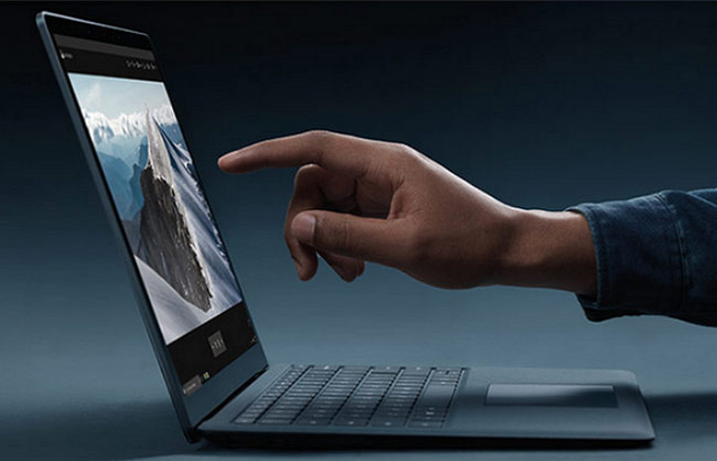 màn hình cảnh ứng đầy đủ trên Surface Laptop