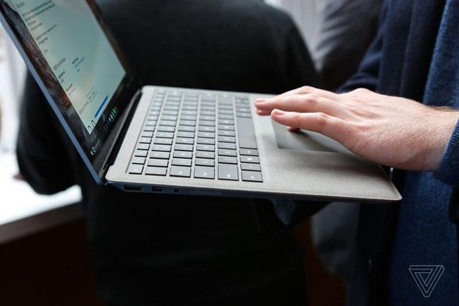 Surface Laptop có thời lượng pin lên đến 14,5 giờ