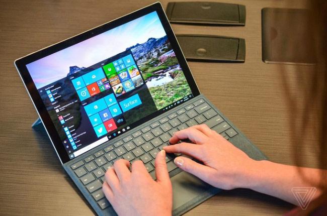 Máy chạy hệ điều hành Windows 10 Pro