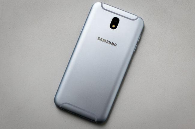 Gam màu của điện thoại được tiết chế kỹ lưỡng, không quá chói