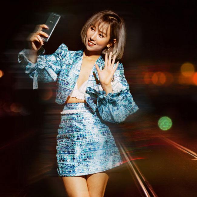 Galaxy J7 Pro xanh ánh bạc được nhiều bạn trẻ lựa chọn