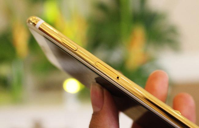 """iPhone 7 bản """"long đao"""""""