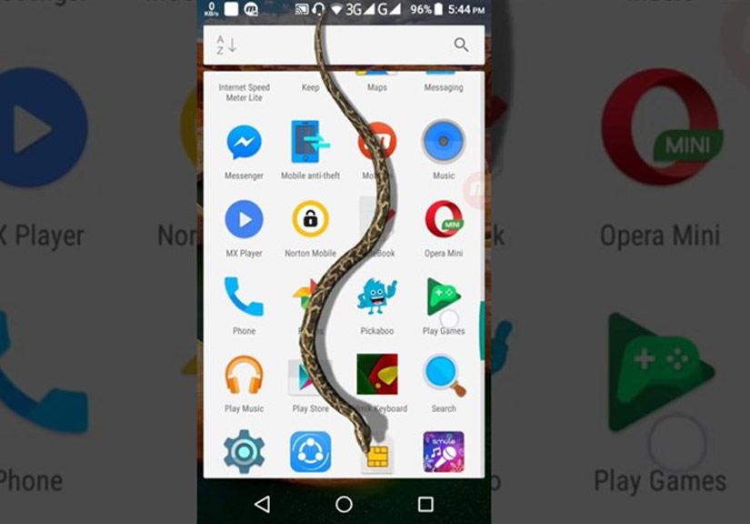 Cách làm rắn bò trên màn hình điện thoại troll bạn bè