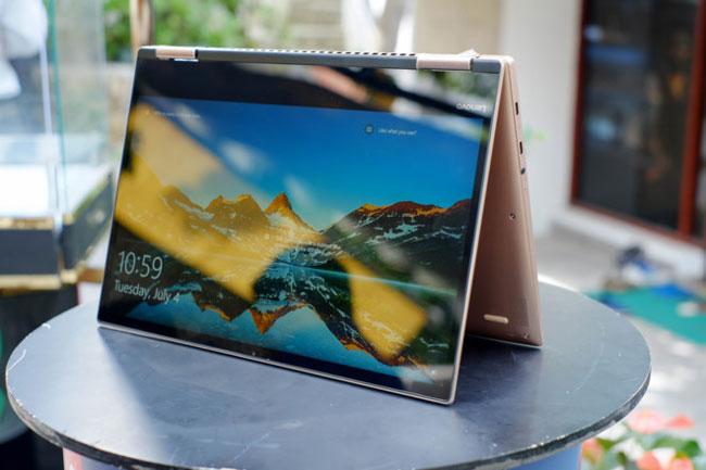 Yoga 720 có độ mỏng 14,3 mm