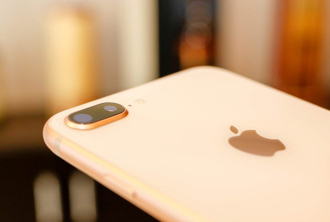 iPhone 8 Plus sở hữu camera kép với độ phân giải 12 megapixel