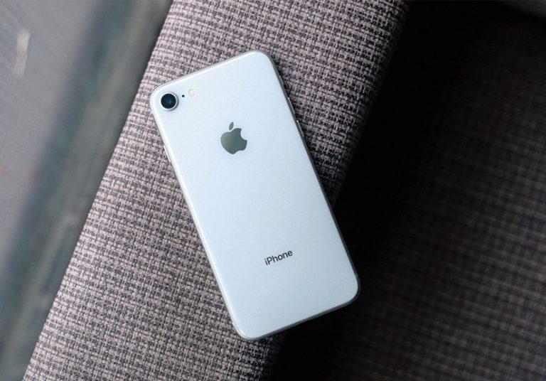 pin iPhone 8 Plus bị phồng rộp