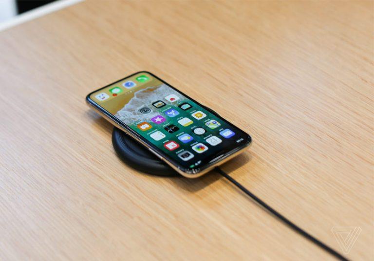 iPhone X 'đội giá' lên 1.500 USD trên eBay