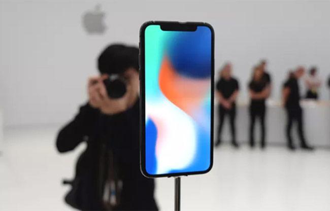 Cách truyền thông lạ cho iPhone X của Apple