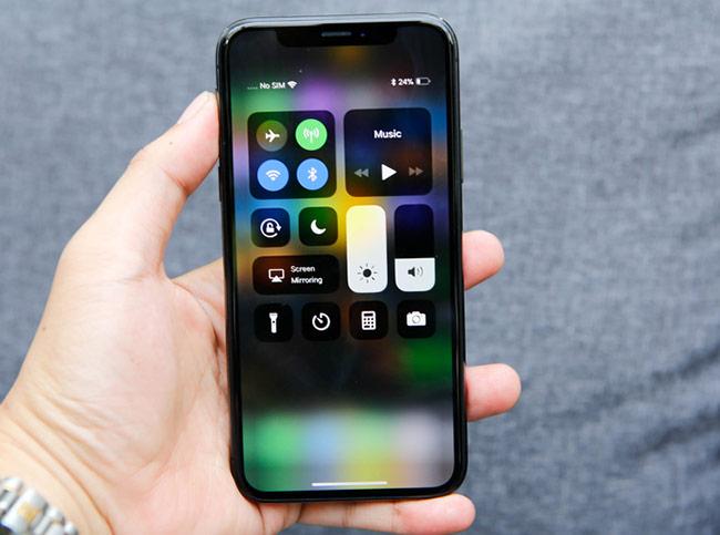 Máy chạy iOS 11 và không có nút Home