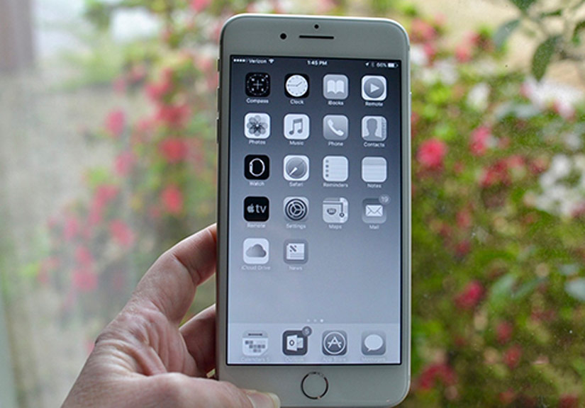 Muốn cai nghiện smartphone, hãy chuyển màn hình sang đen trắng