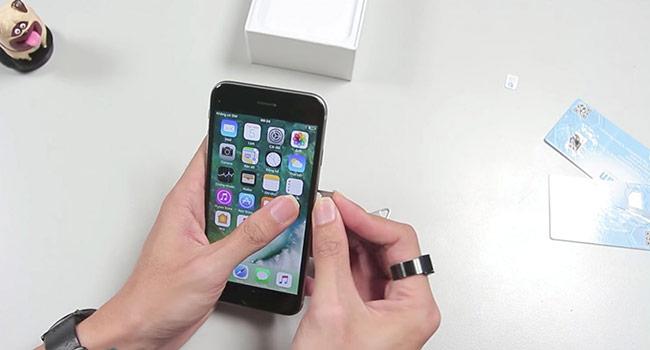 """SIM ghép """"thần thánh"""" lại tiếp tục bị Apple khoá"""