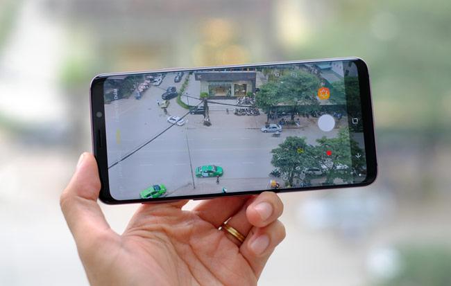 Tính năng quay video của Galaxy S9+ cũng được đánh giá cao với 91 điểm. Con số này cao hơn iPhone X là 89 điểm