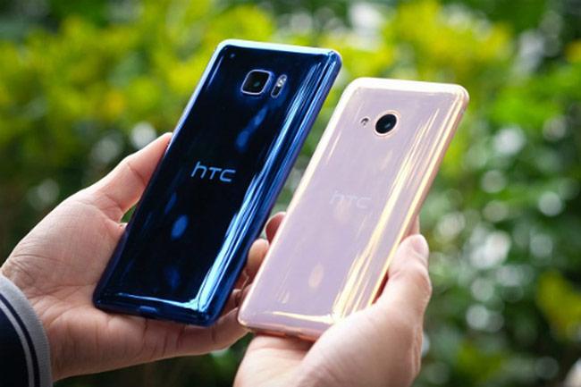 Smartphone đua hạ giá, xả hàng sau Tết
