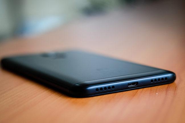 Redmi 5 Plus được trang bị viên pin lên tới 4.000 mA