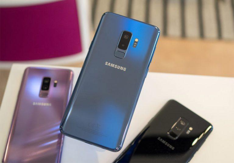 Sau đen và tím, Galaxy S9+ chính hãng có thêm màu xanh Blue Coral.Sau đen và tím, Galaxy S9+ chính hãng có thêm màu xanh Blue Coral.
