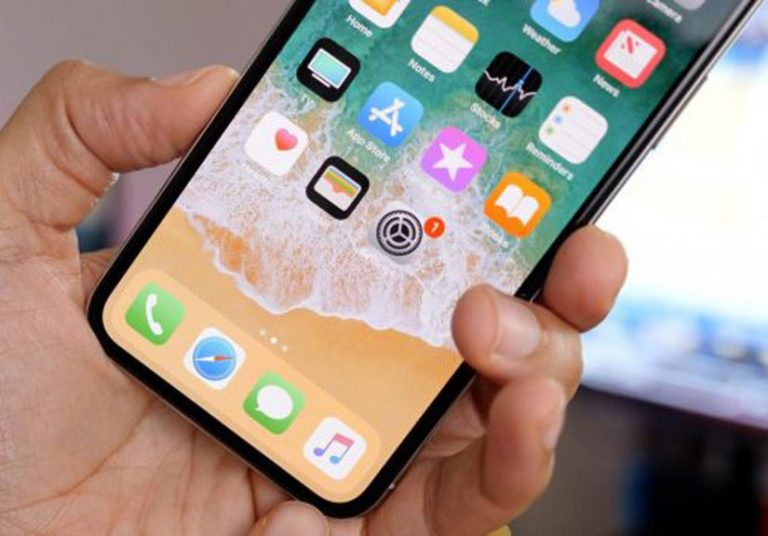 iPhone LCD 6,1 inch giá từ 550 USD, có tùy chọn 2 SIM