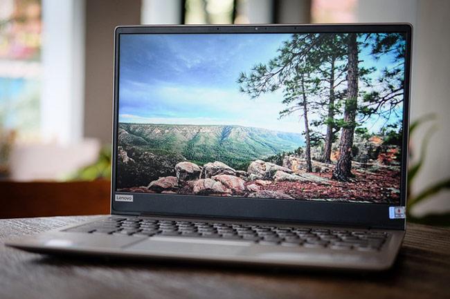 Màn hình kích cỡ 13,3 inch với độ phân giải Full HD